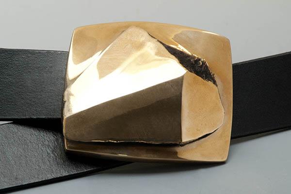 Hebilla de cinturón en bronce de Poul Havgaard